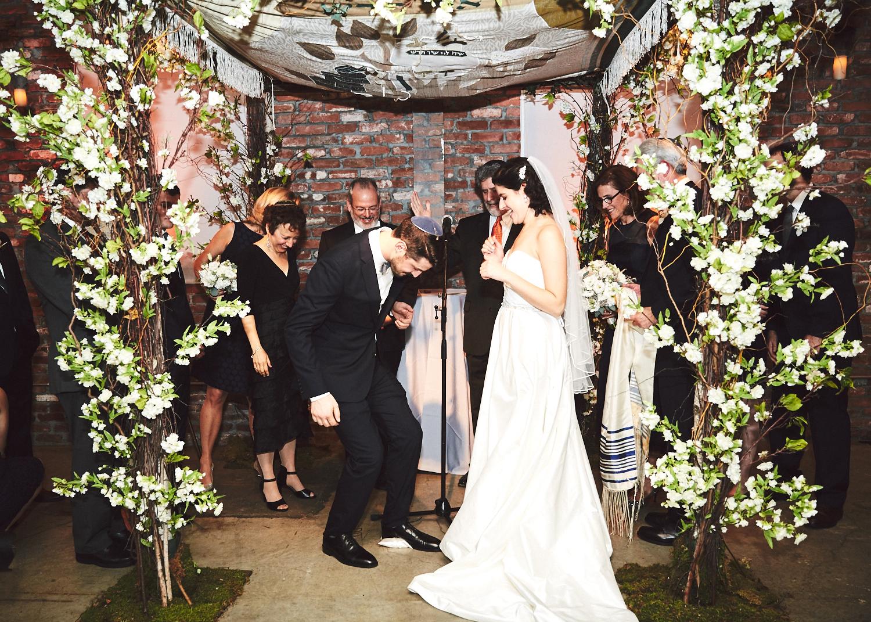 161029_TheLoadingDockWedding_CT_WeddingPhotography_By_BriJohnsonWeddings0043.jpg
