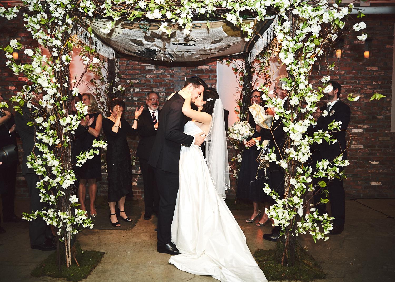 161029_TheLoadingDockWedding_CT_WeddingPhotography_By_BriJohnsonWeddings0044.jpg