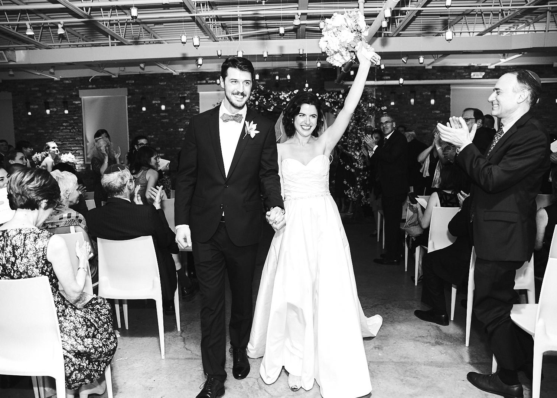 161029_TheLoadingDockWedding_CT_WeddingPhotography_By_BriJohnsonWeddings0046.jpg