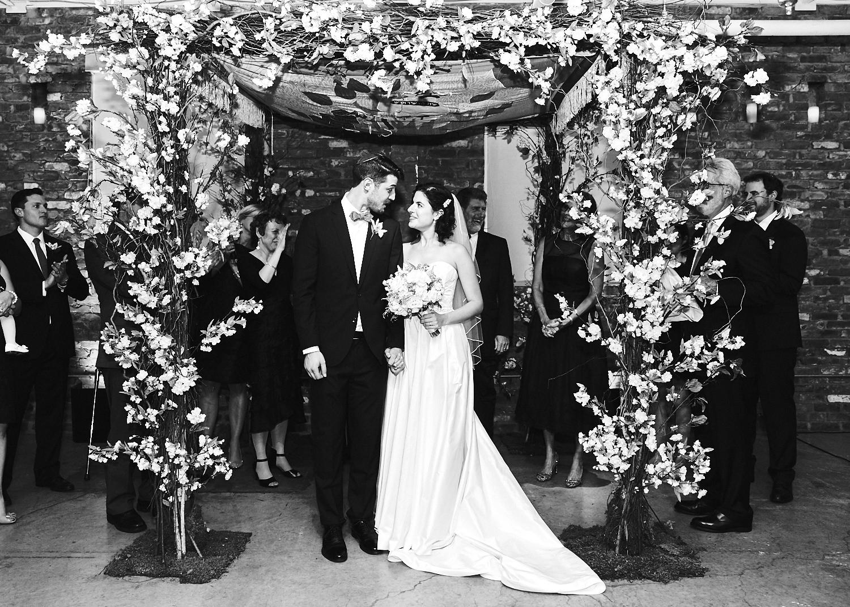 161029_TheLoadingDockWedding_CT_WeddingPhotography_By_BriJohnsonWeddings0045.jpg