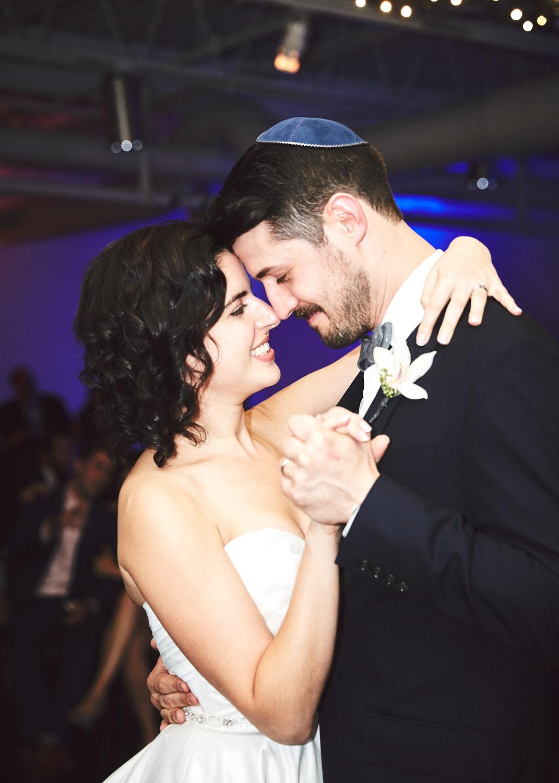 161029_TheLoadingDockWedding_CT_WeddingPhotography_By_BriJohnsonWeddings0056.jpg