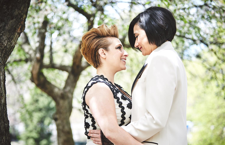 170423-SameSexWedding-GayWedding-LesbianWedding-CentralParkWedding-TheDanielWeddingPhotography_By_BriJohnsonWeddings_0032.jpg