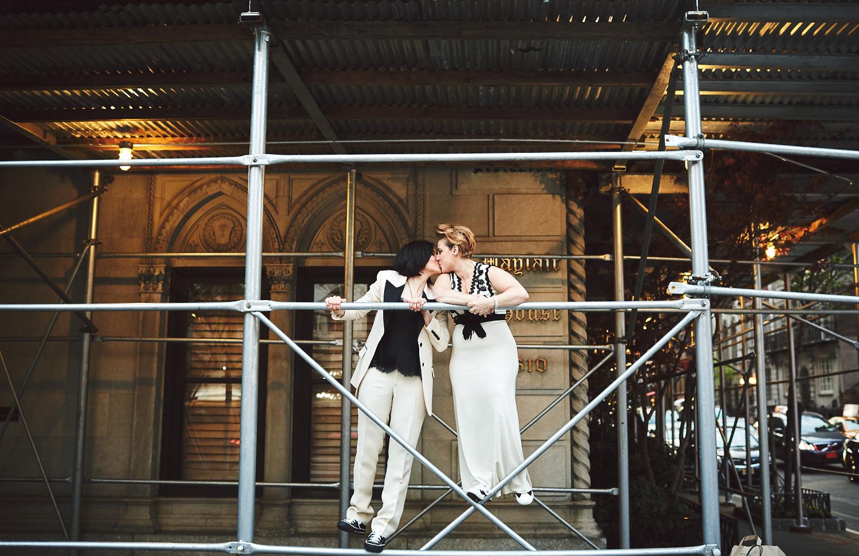 170423-SameSexWedding-GayWedding-LesbianWedding-CentralParkWedding-TheDanielWeddingPhotography_By_BriJohnsonWeddings_0112.jpg