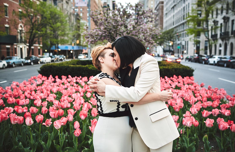 170423-SameSexWedding-GayWedding-LesbianWedding-CentralParkWedding-TheDanielWeddingPhotography_By_BriJohnsonWeddings_0115.jpg