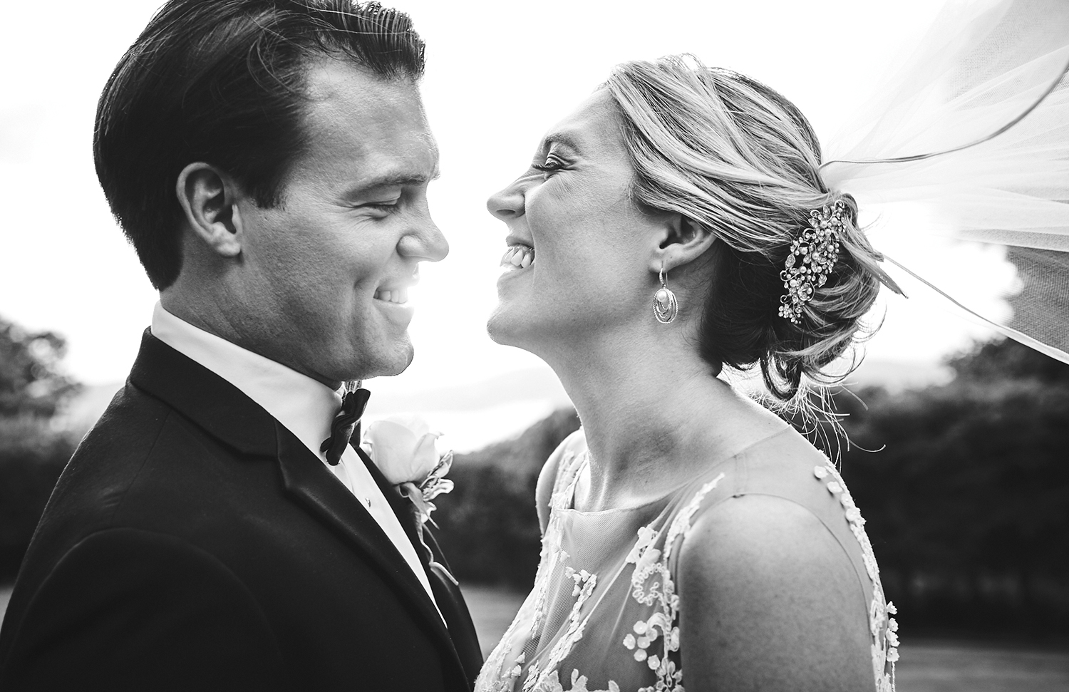 170804_TappanHillMansionWeddingPhotography_NYWeddingPhotographerBy_BriJohnsonWeddings_0155.jpg
