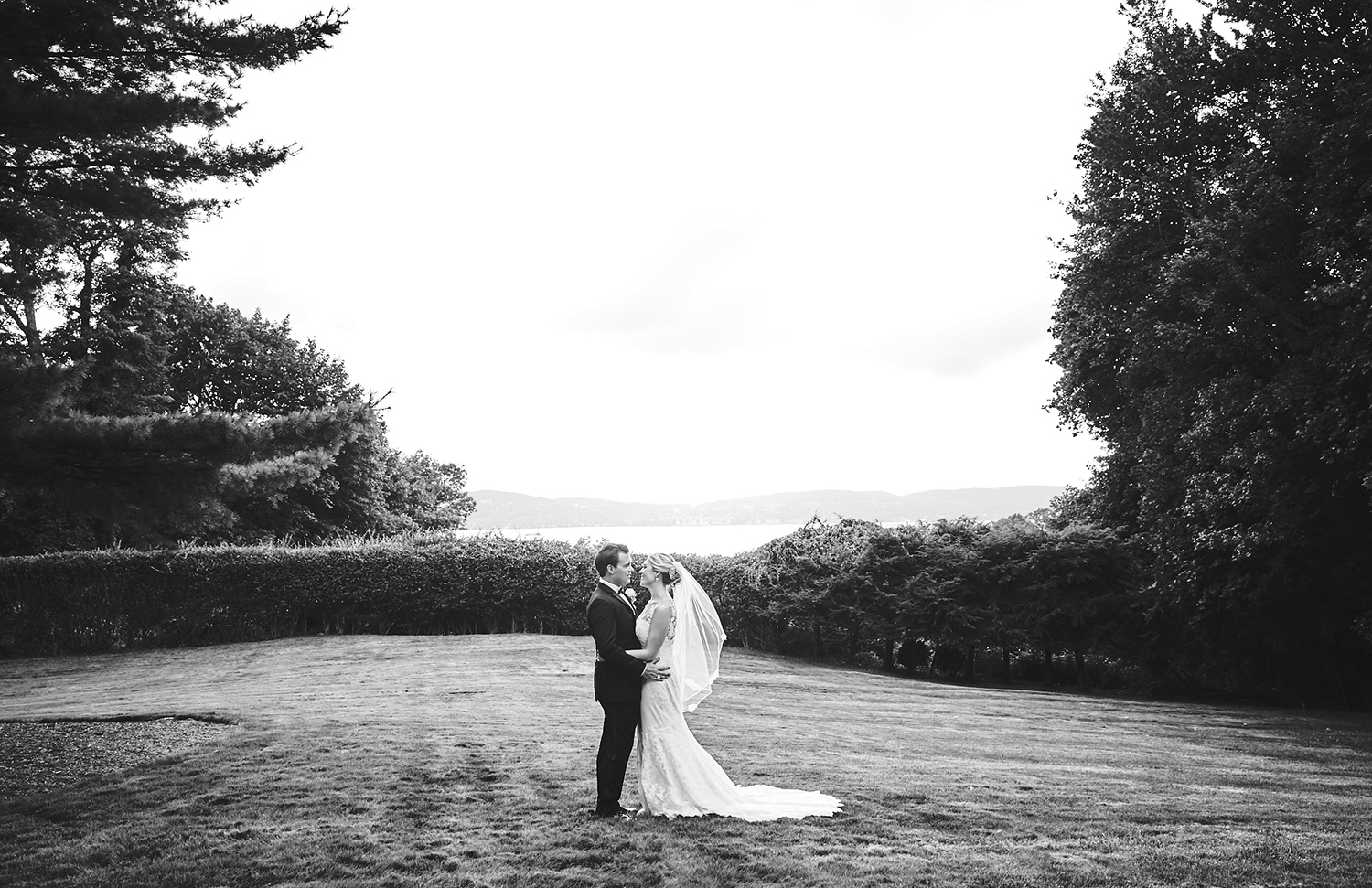 170804_TappanHillMansionWeddingPhotography_NYWeddingPhotographerBy_BriJohnsonWeddings_0156.jpg