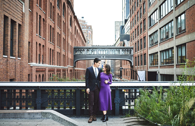 181014_TheHighlineNYCEngagementSessionPhotography_NYCEngagementPhotographer_By_BriJohnsonWeddings_0013.jpg