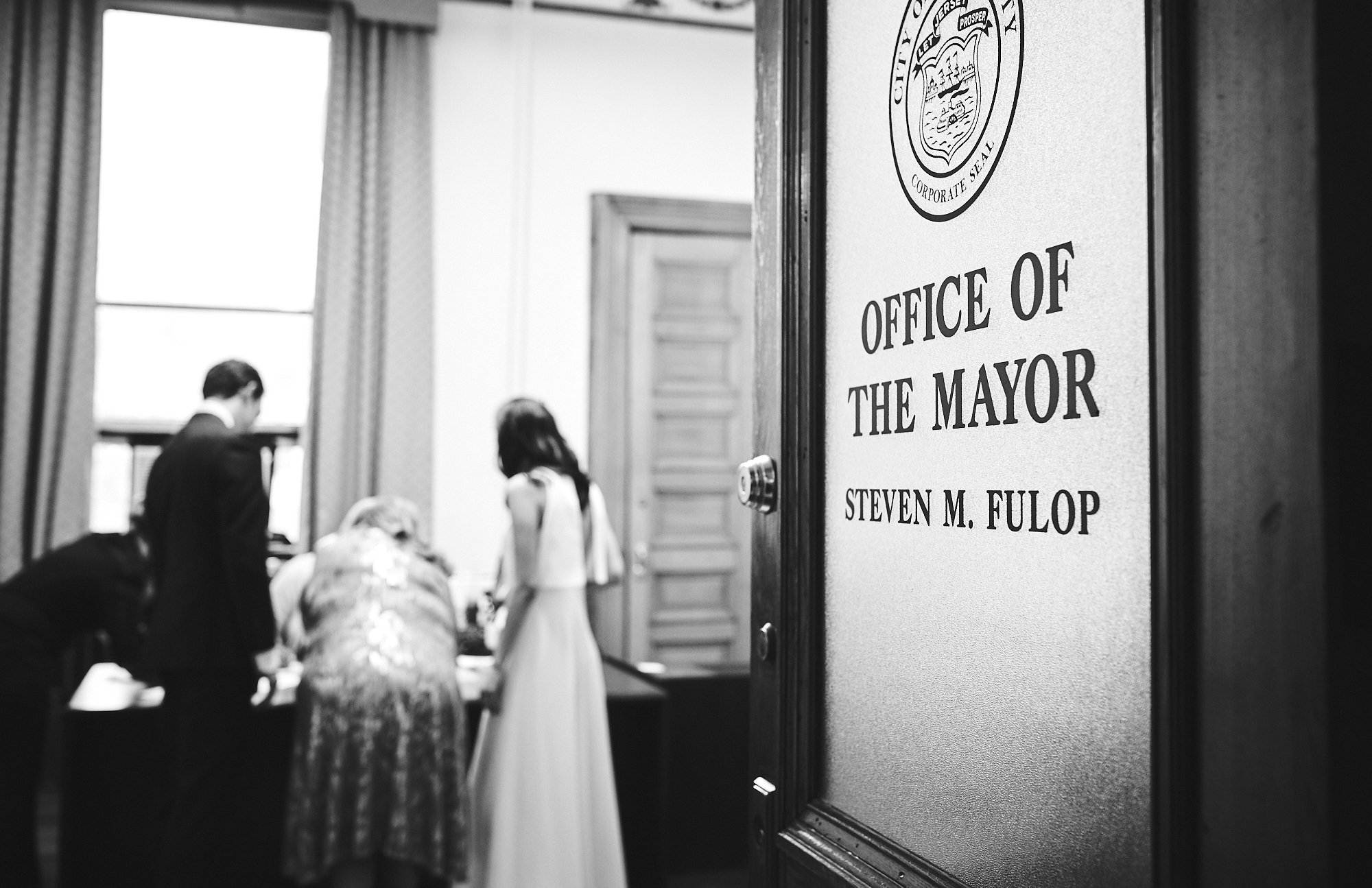 181116_JerseyCityCityHallFallWeddingPhotography_JerseyCityWeddingPhotographer_By_BriJohnsonWeddings_0055.jpg