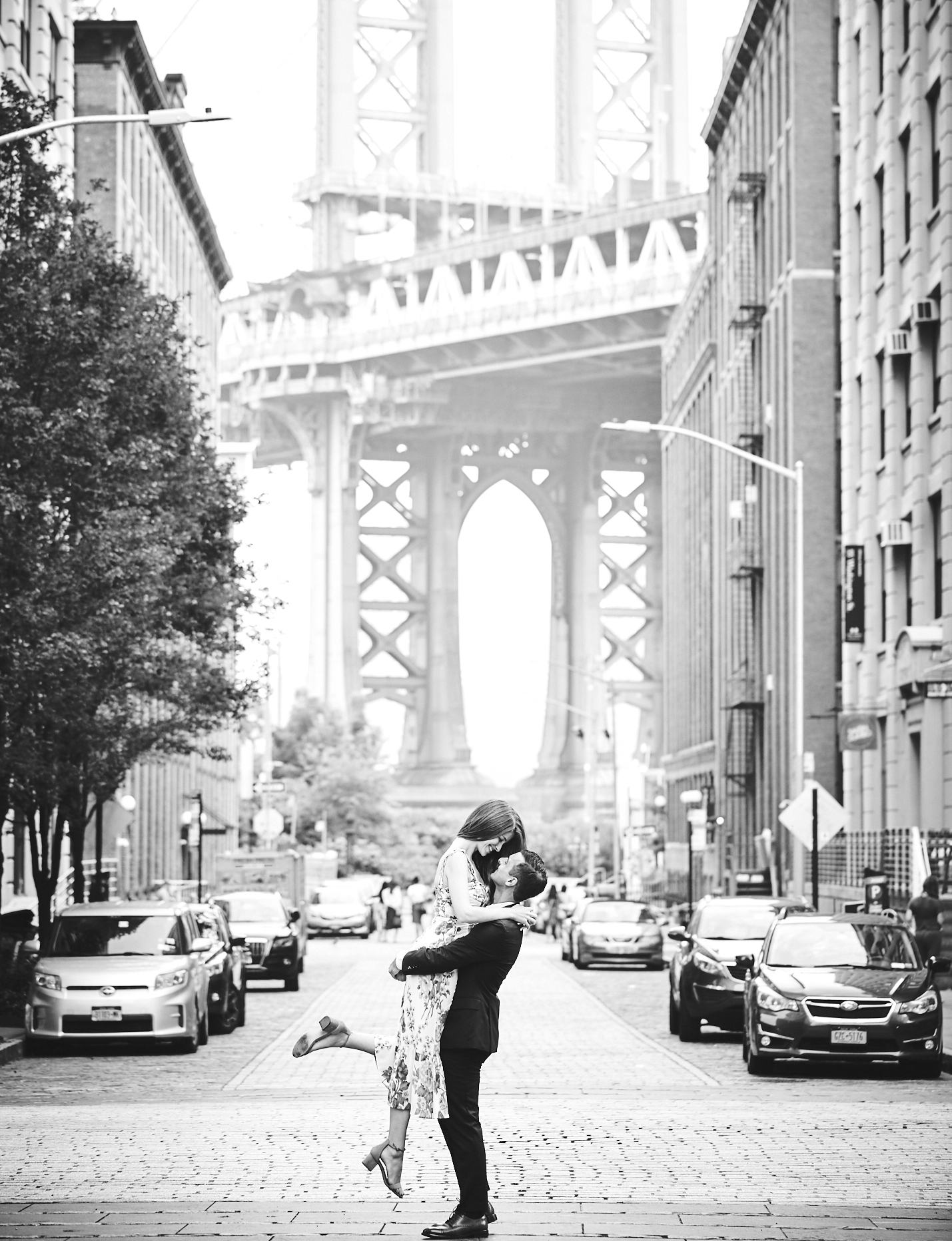 190818_BrooklynBridgeEngagementPhotography_By_BriJohnsonWeddings_0002.jpg