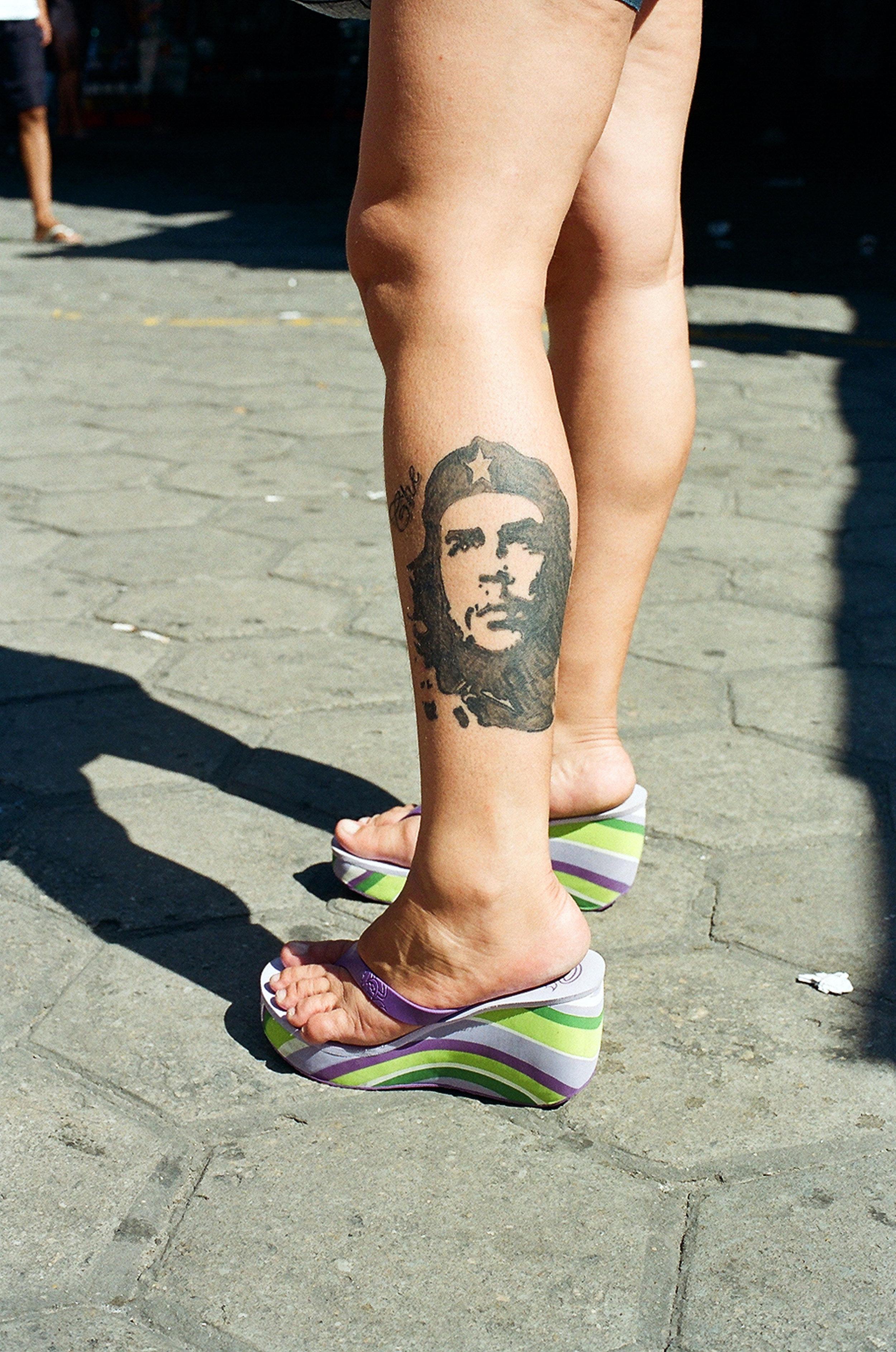 CHE LEG.jpg