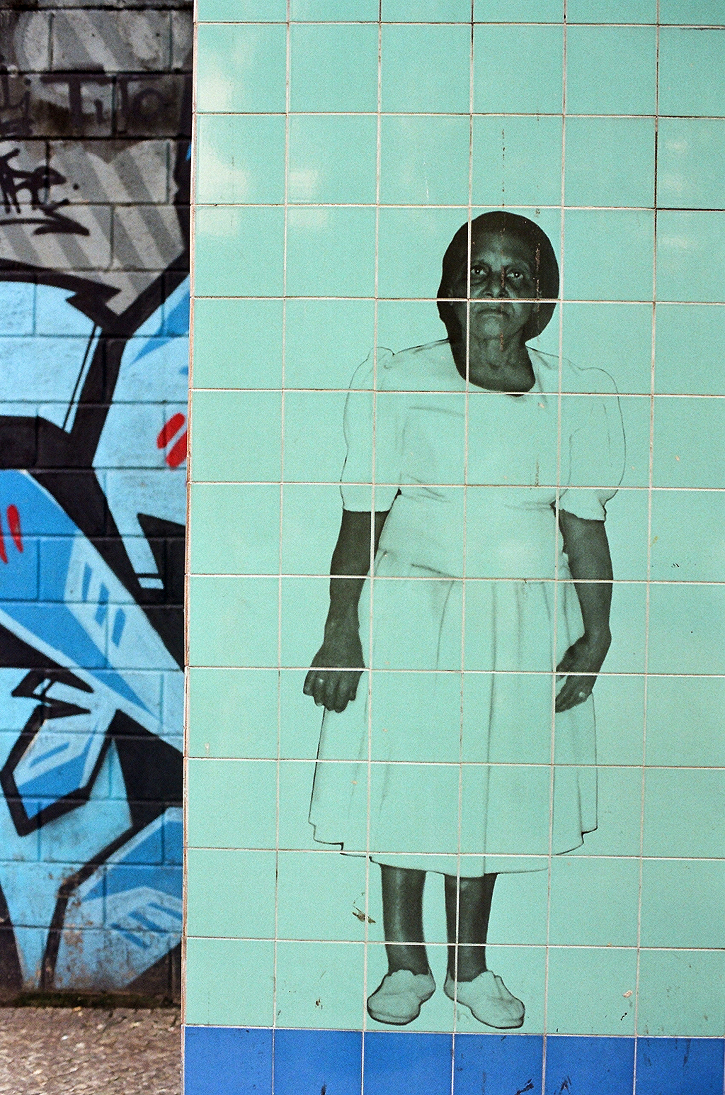 GRAFFITI WOMAN.jpg