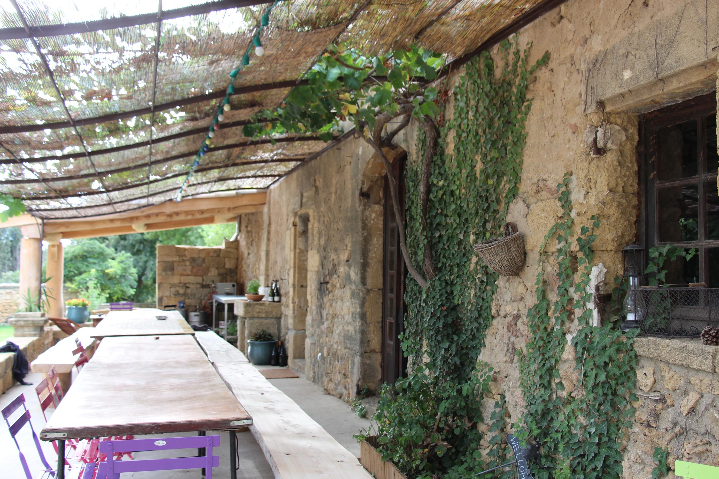 Farm table, Domaine de Sulauze, Côteaux d'Aix-en-Provence, France