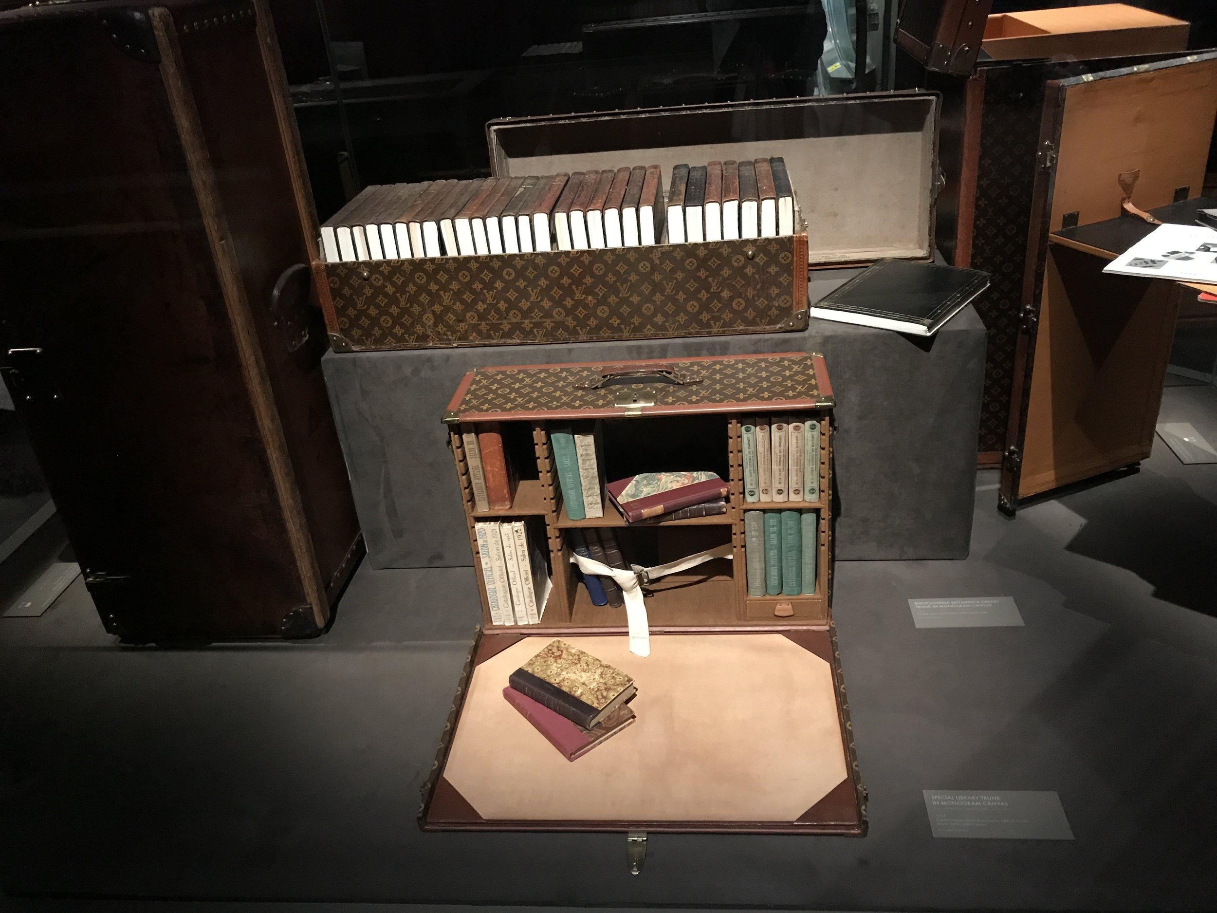 louis Vuitton volez voguez voyagez writing room