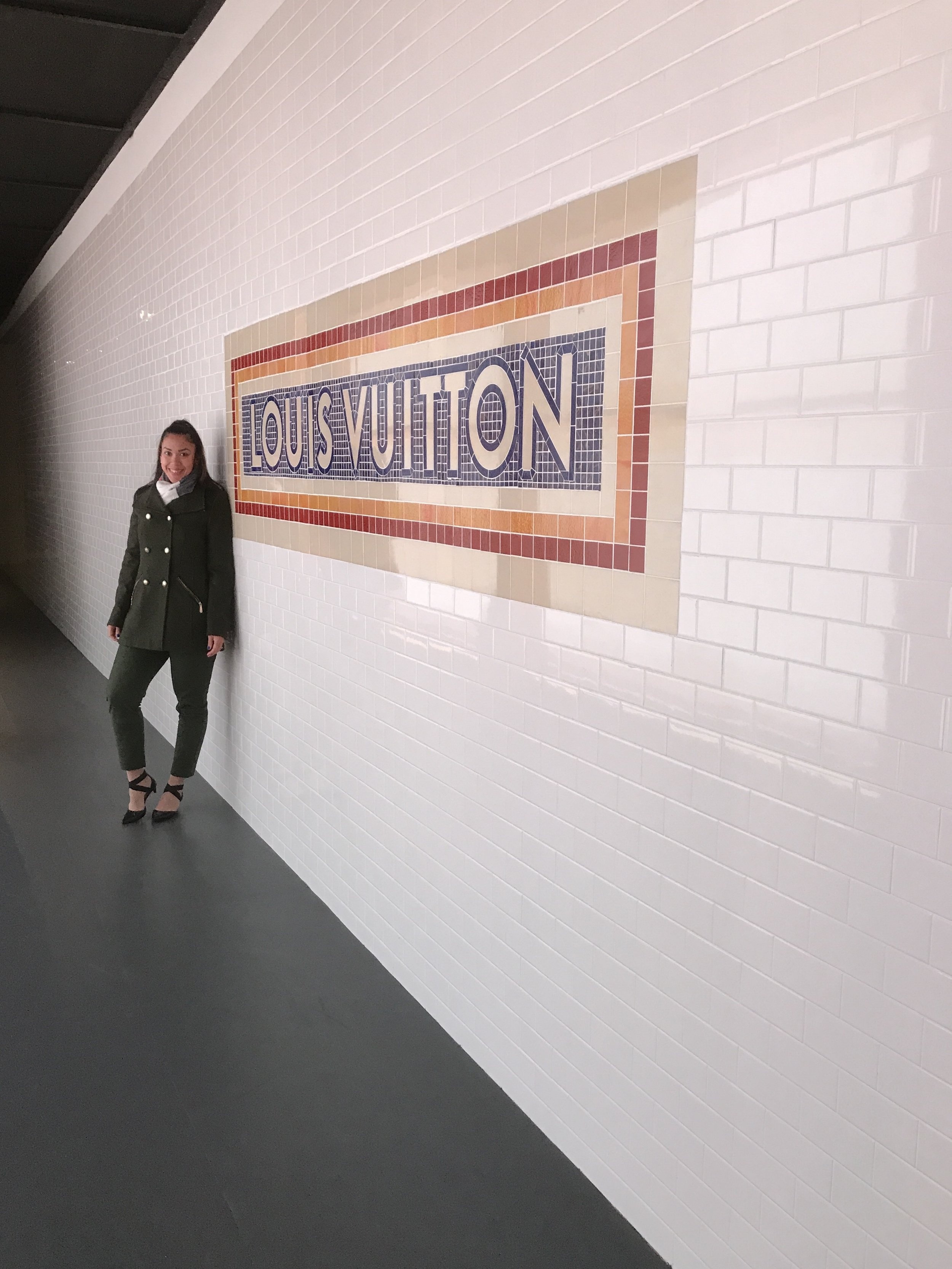 Louis Vuitton volez voguez voyagez.jpg