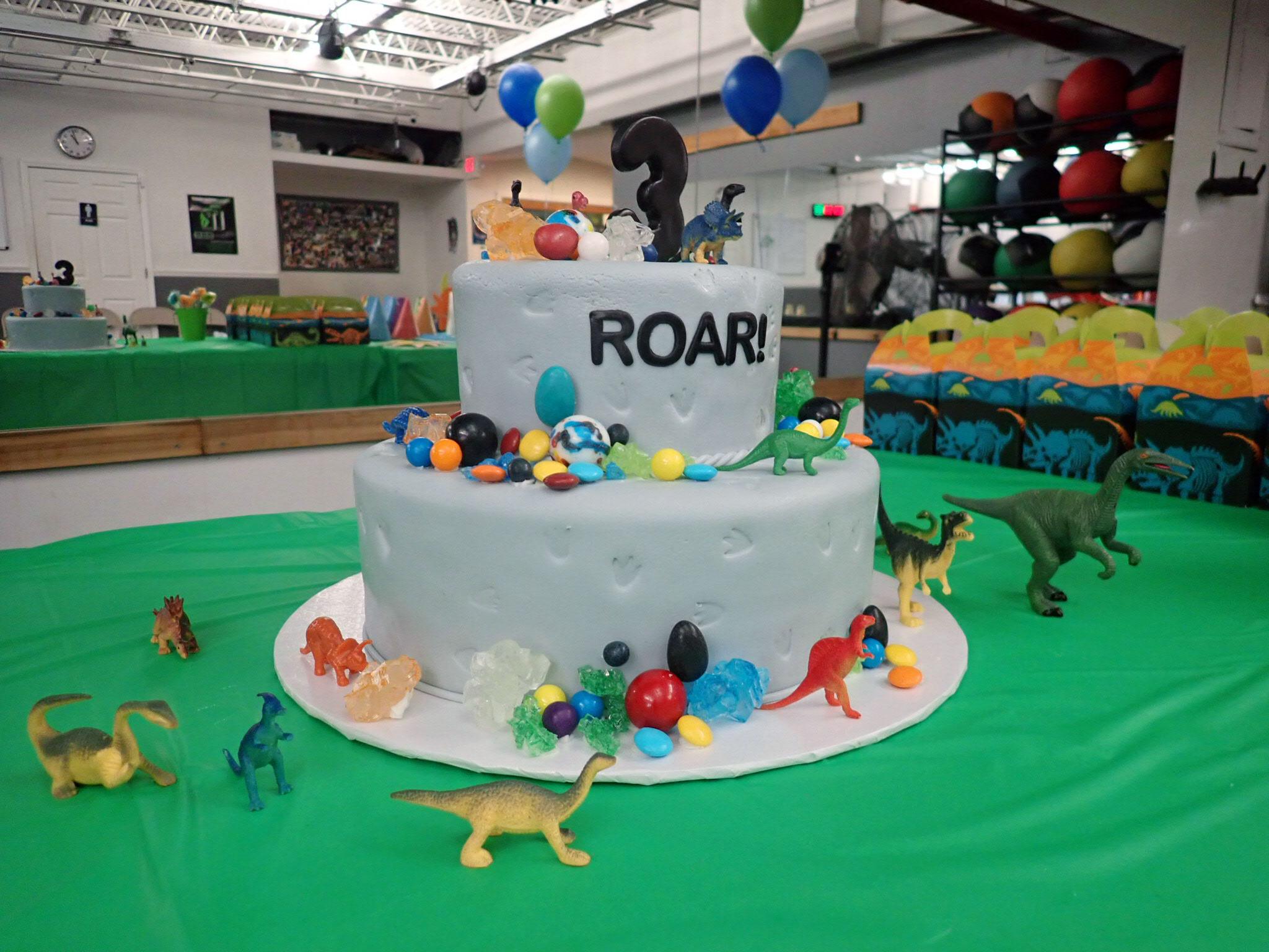 Dinosaur Birthday Cake.jpg