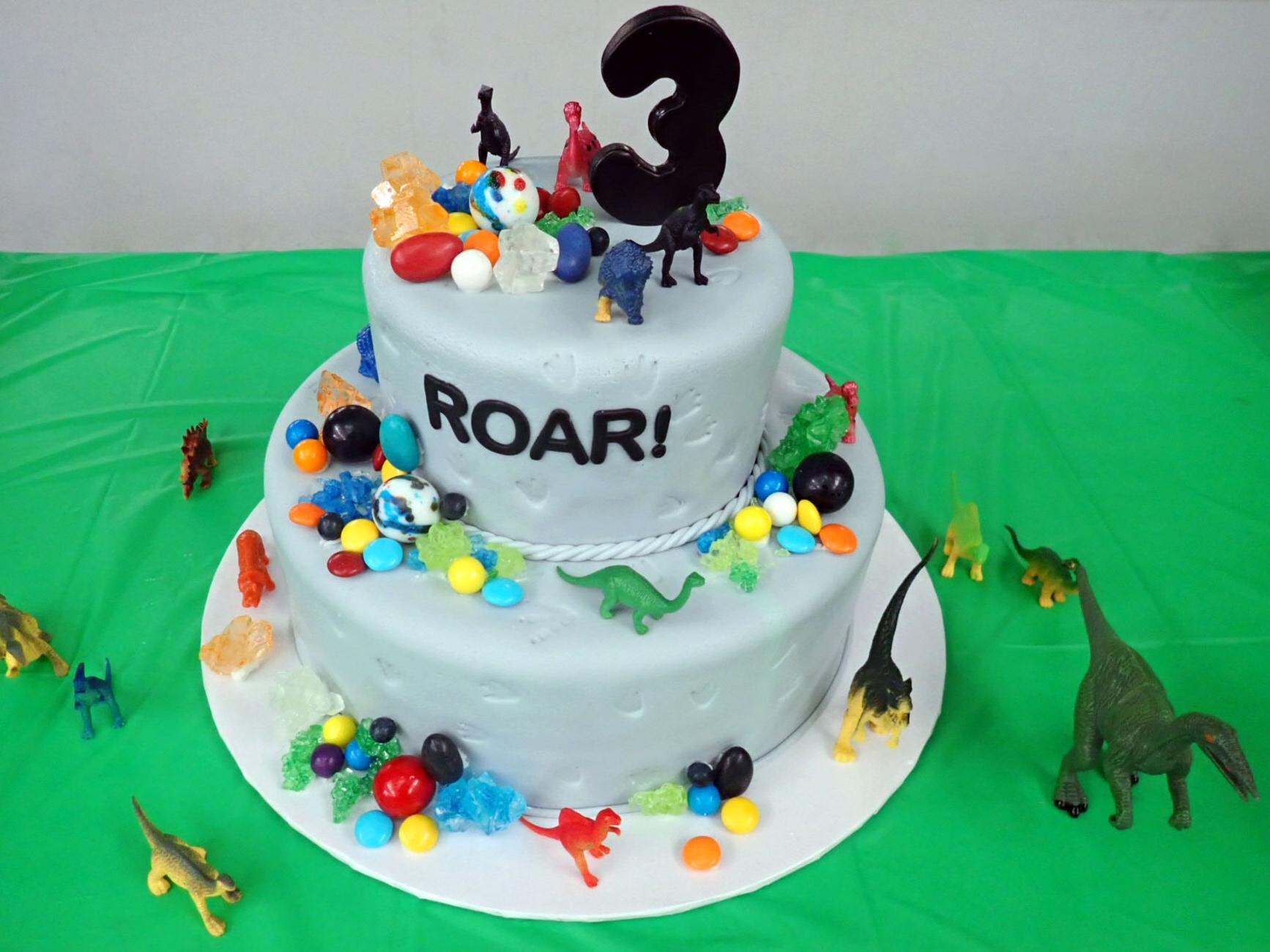 Dinosaur+Birthday+Cake.jpg