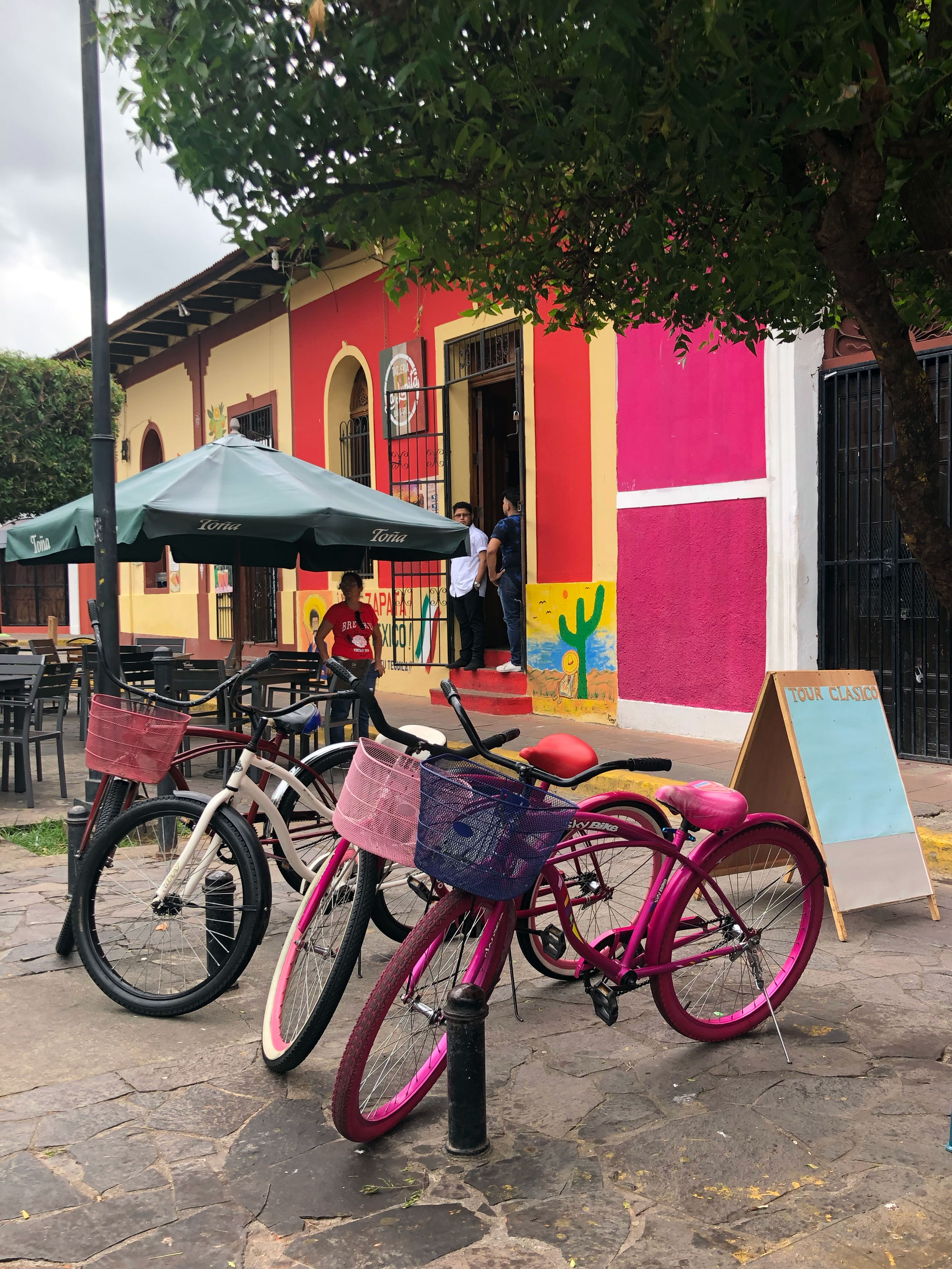 Granada | Granada, Nicaragua | Nicaragua | Granada Central Park | Nicaragua travel | Nicaragua bucket list | Nicaragua travel guide | Ana Jacqueline | anajacqueline.com