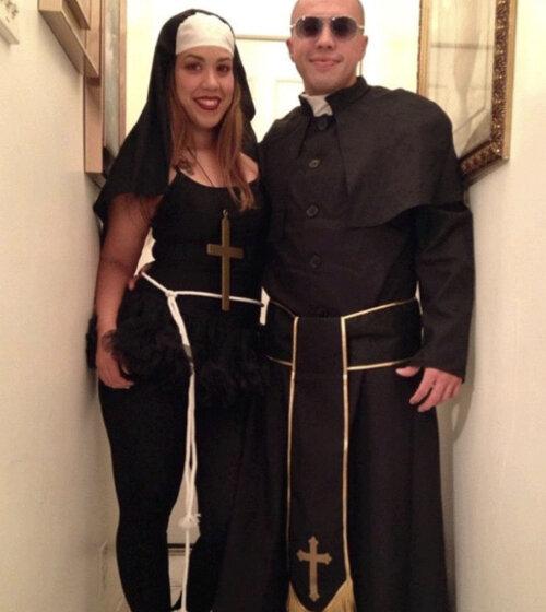 Family Of Four Halloween Costumes Ideas Ana Jacqueline Latina Mom Motherhood Fitness Travel Fashion Life