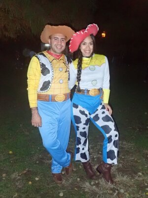 Family of four halloween costumes ideas | Family Halloween costumes ideas | Toy Story halloween costumes | Toy Story family halloween costumes | Woody and Jessie costumes | Woody and Jessie couple costumes | couple Halloween costumes ideas | www.anajacqueline.com