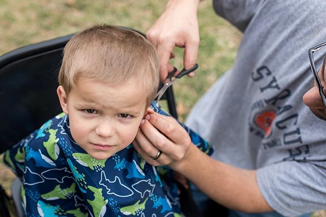 Getting a little trim job. #documentyourdays #documentaryfamilyphotography #thedocumentarymovement #dayinthelifephotography #dfpcommunity #shamoftheperfect  #cedarrapidsphotography #cedarrapidsphotographer #documentaryfamilyawards #haircut #boycut #trimjob