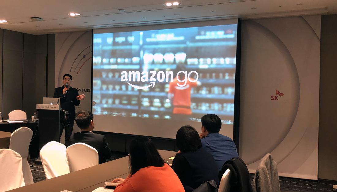 """""""전세계적으로 화제가 되었던 '아마존 고(Amazon go)'는 많은 분들이 생각하시는 것과 다르게 장기간에 걸친 집요한 결과물입니다. 아마존 아시아지부 총괄 책임에게 물었을 때, 놀라운 숫자를 말해주었습니다. '5년', 자그만치 5년이라는 시간을 들여 여러분들께서 보고계신 이 영상을 실제로 구현해낼 수 있게 된 것입니다. 단순히 우리 기업이 할 수 있다 없다의 개념이 아니라, 고객/사용자가 가치 있다고 여기는 점을 핵심 가치로 삼아 비즈니스 기회와 기술 구현 가능성이 도래할 시점까지 견디며 만들 수 있는 기업 문화와 일하는 방식의 차이가 혁신을 만들어 낼 수 있습니다."""""""