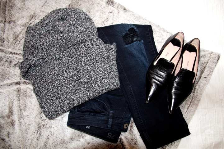Knitted turtle-neck sweater - Target / Black flats - Miu Miu