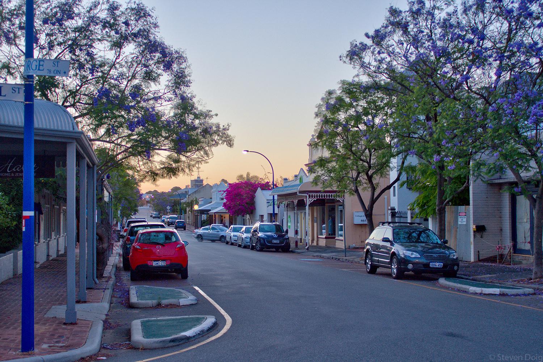 http://steve.doig.com.au/photography/george-street-east-fremantle-dusk.html