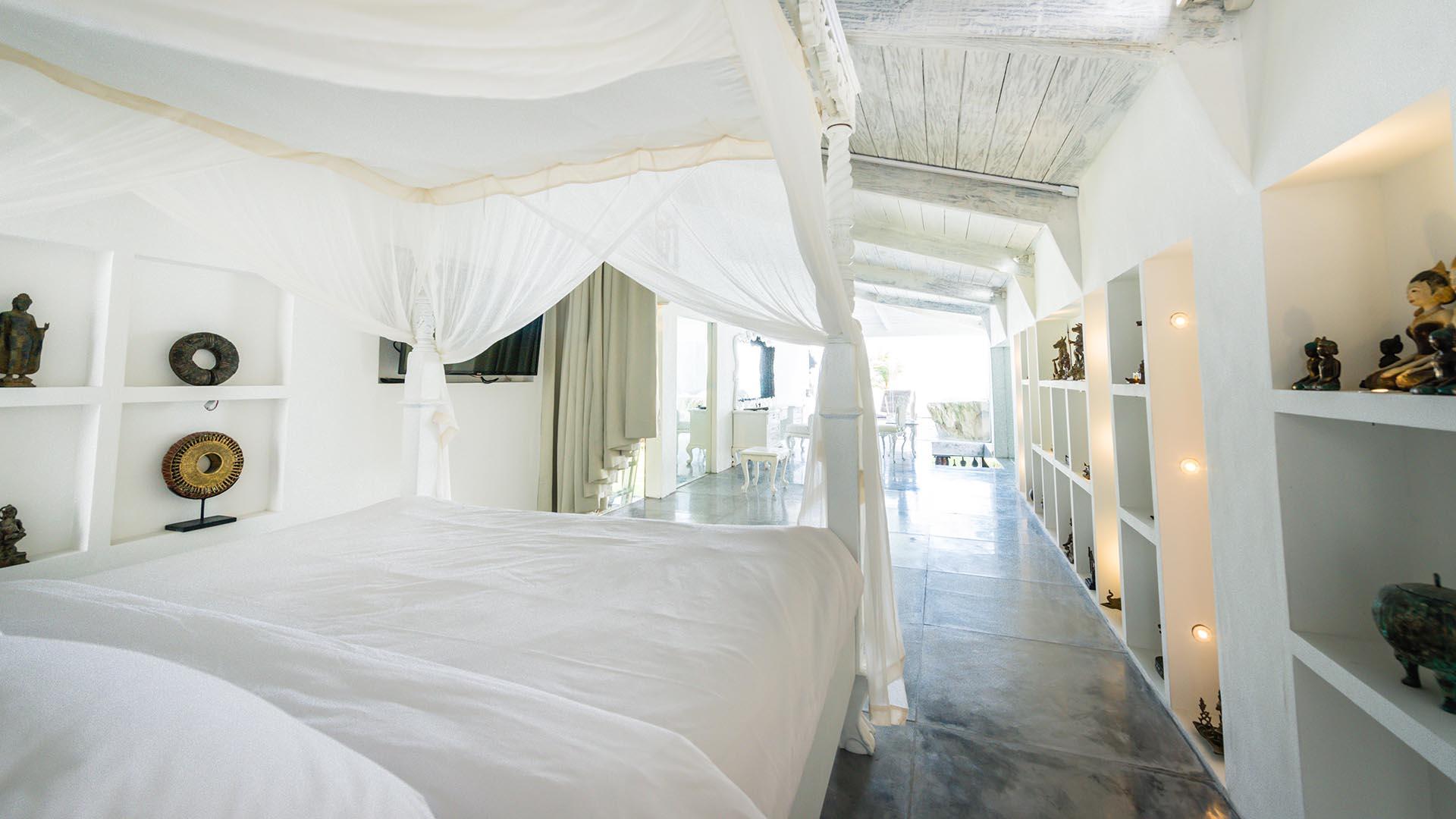 Morabito Art Villa canggu king suite bridal room 2.jpg