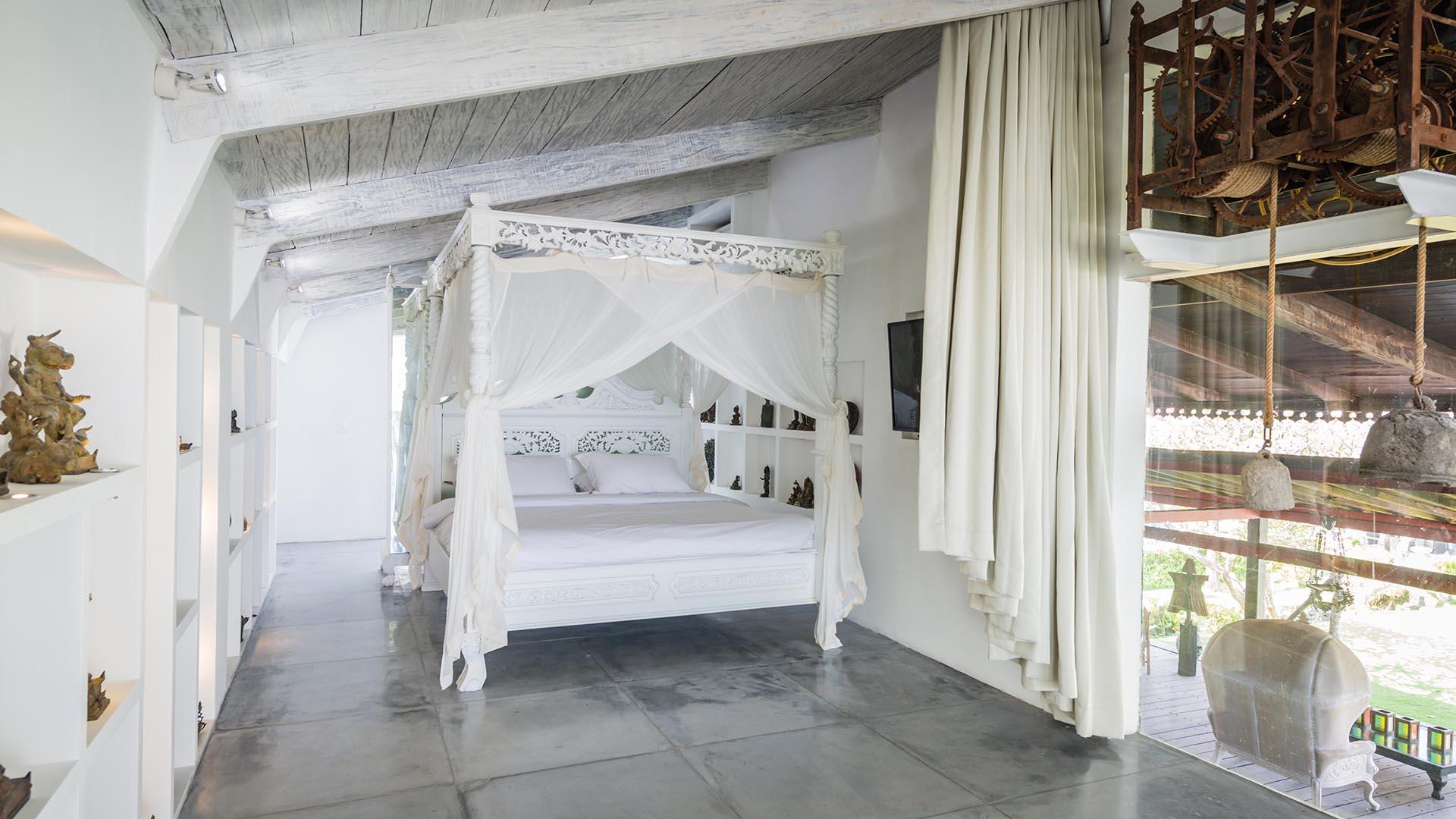 Morabito Art Villa canggu king suite bridal room 1.jpg