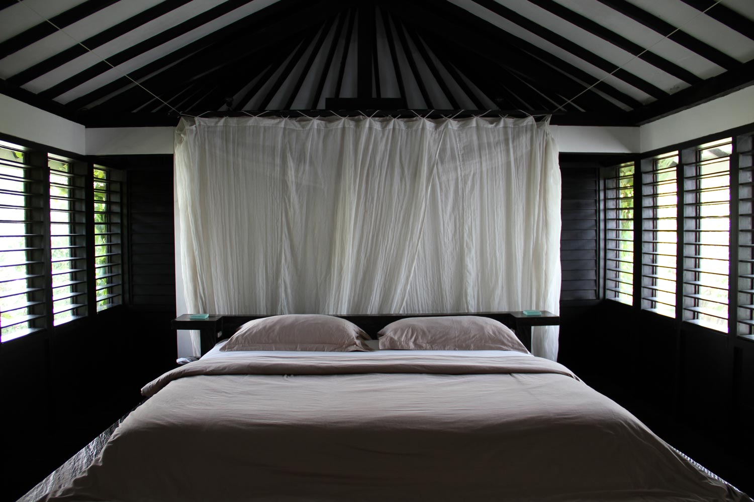 Morabito-Art-Villa---Canopy-Suite-bedroom1.jpg