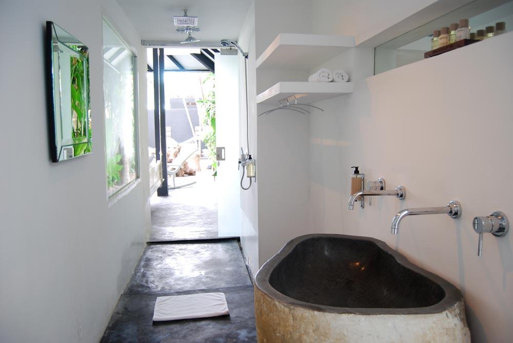 Morabito-Art-Villa---Majapahit-Suite8.jpg