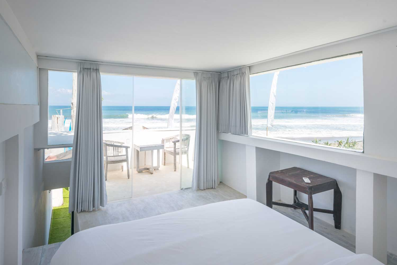 Morabito-Art-Villa-Beach-House-vigie-interior-1-small.jpg