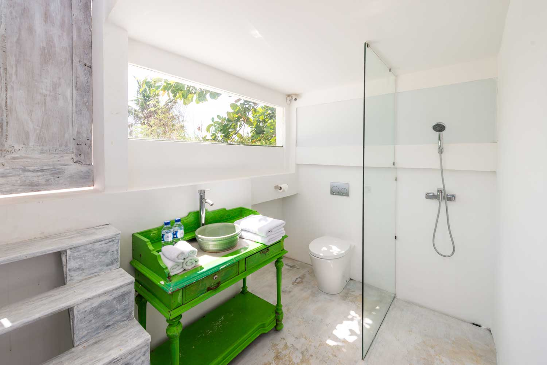 Morabito-Art-Villa-Beach-House-vigie-interior-2-small.jpg