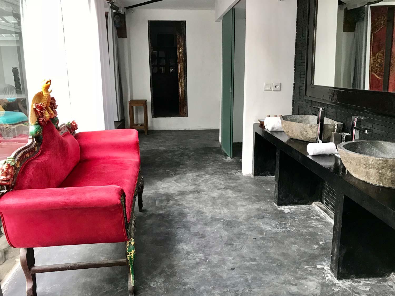 MUSEUM-Suite-4-bathroom.jpg
