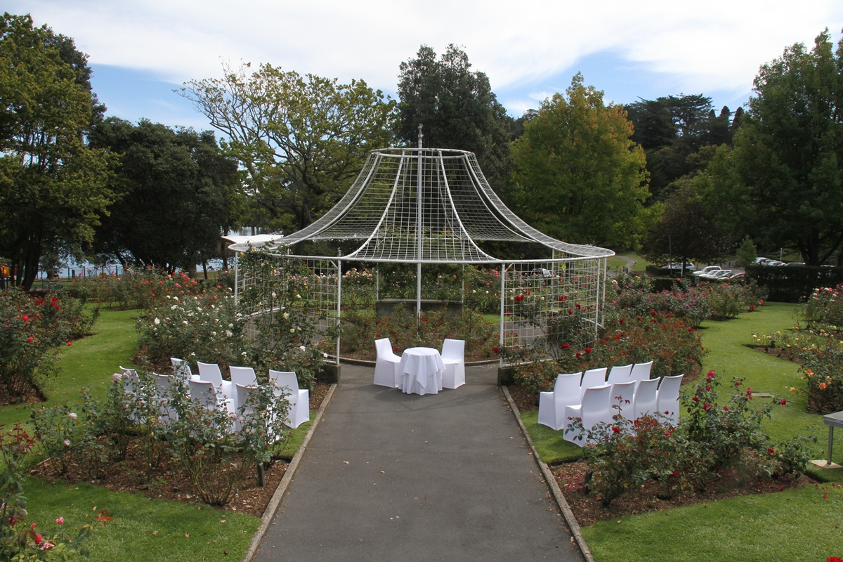 WIW Rose Garden_Mainly Weddings.jpg