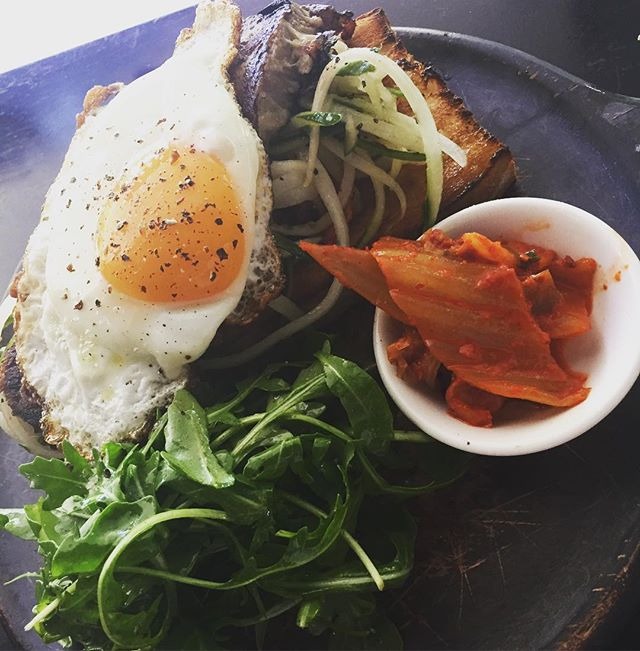 New dish! Beef brisket open sandwich with homemade kimchi, fried egg and cucumber 😛😍 #mountstreetbreakfastbar #foodporn #pertheats #perthcafe #urbanfood #homemade #perthisok #perthfoodie