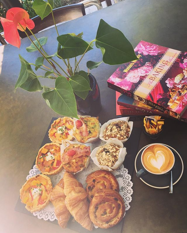 Our muffins and pastries are freshly made from 7am every morning! Sweet or savoury different every day. Be sure to grab one before they run out! 😍  #mountstreetbreakfastbar #breakfastinperth #instabake #foodporn #fivesensescoffee #homemade #pertheats #perthcoffee #urbanfood