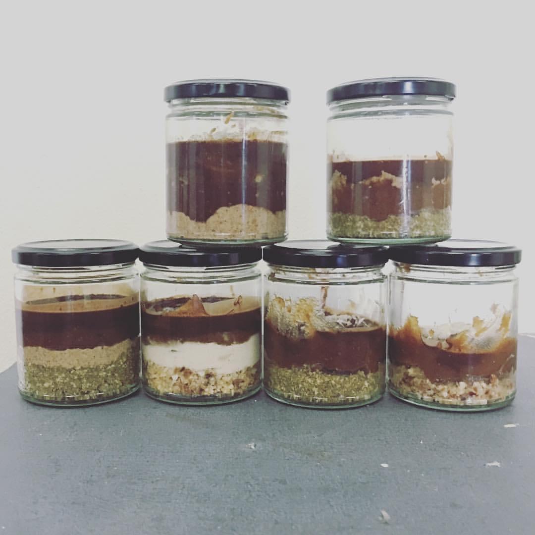 Cute AF caramel slice jars