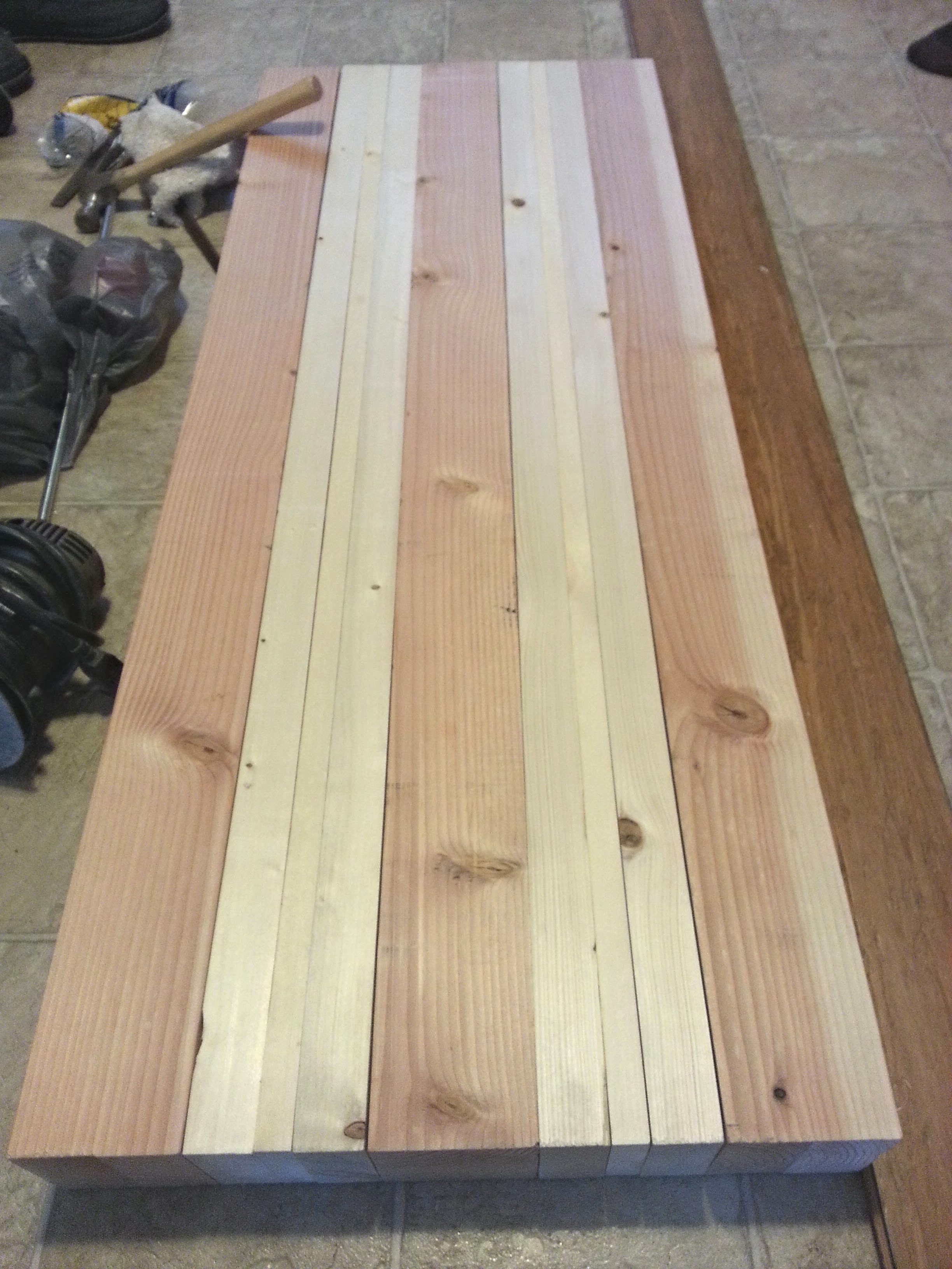 Laminate pattern of the boards