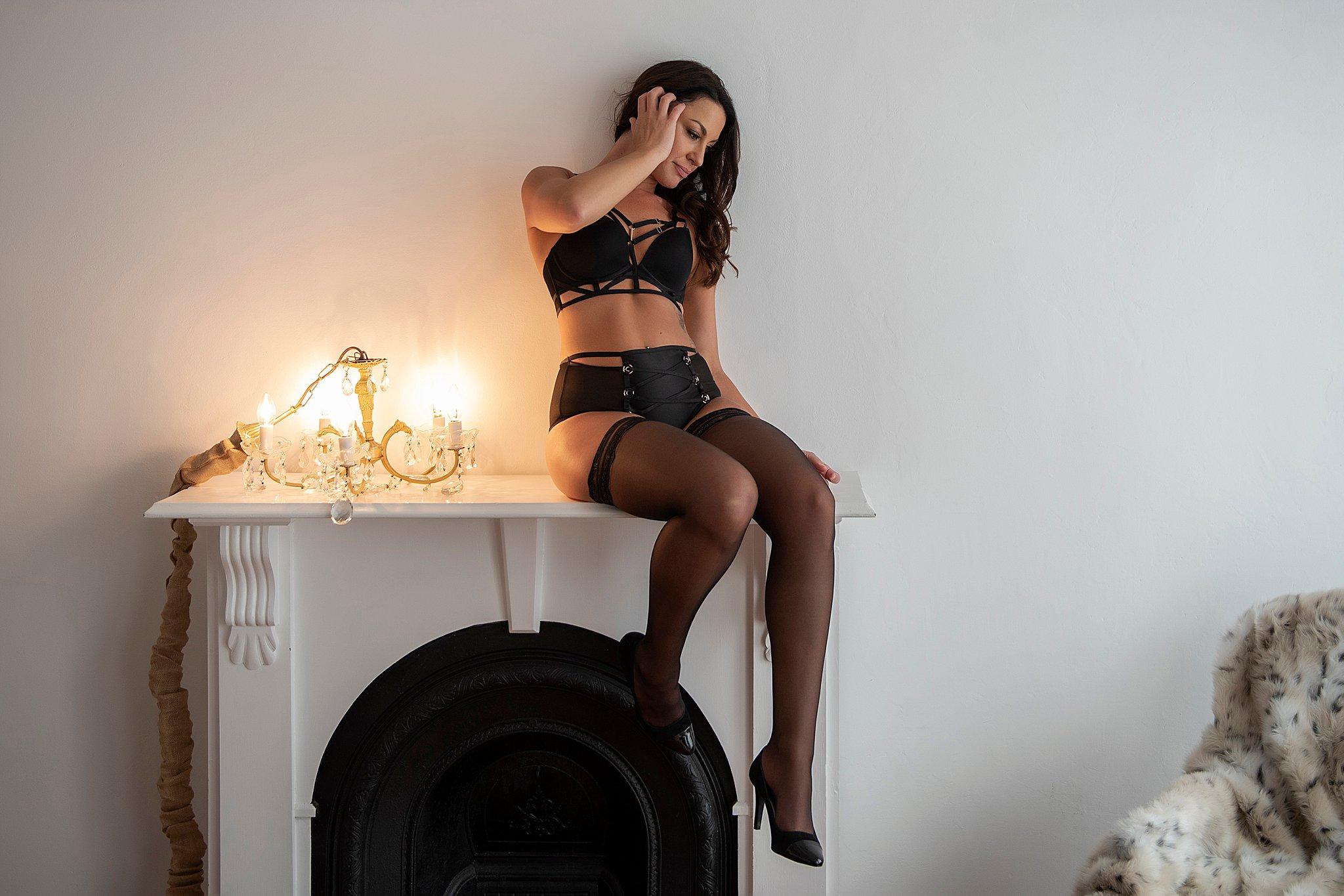 Intimate-boudoir-photoshoot-006.jpg