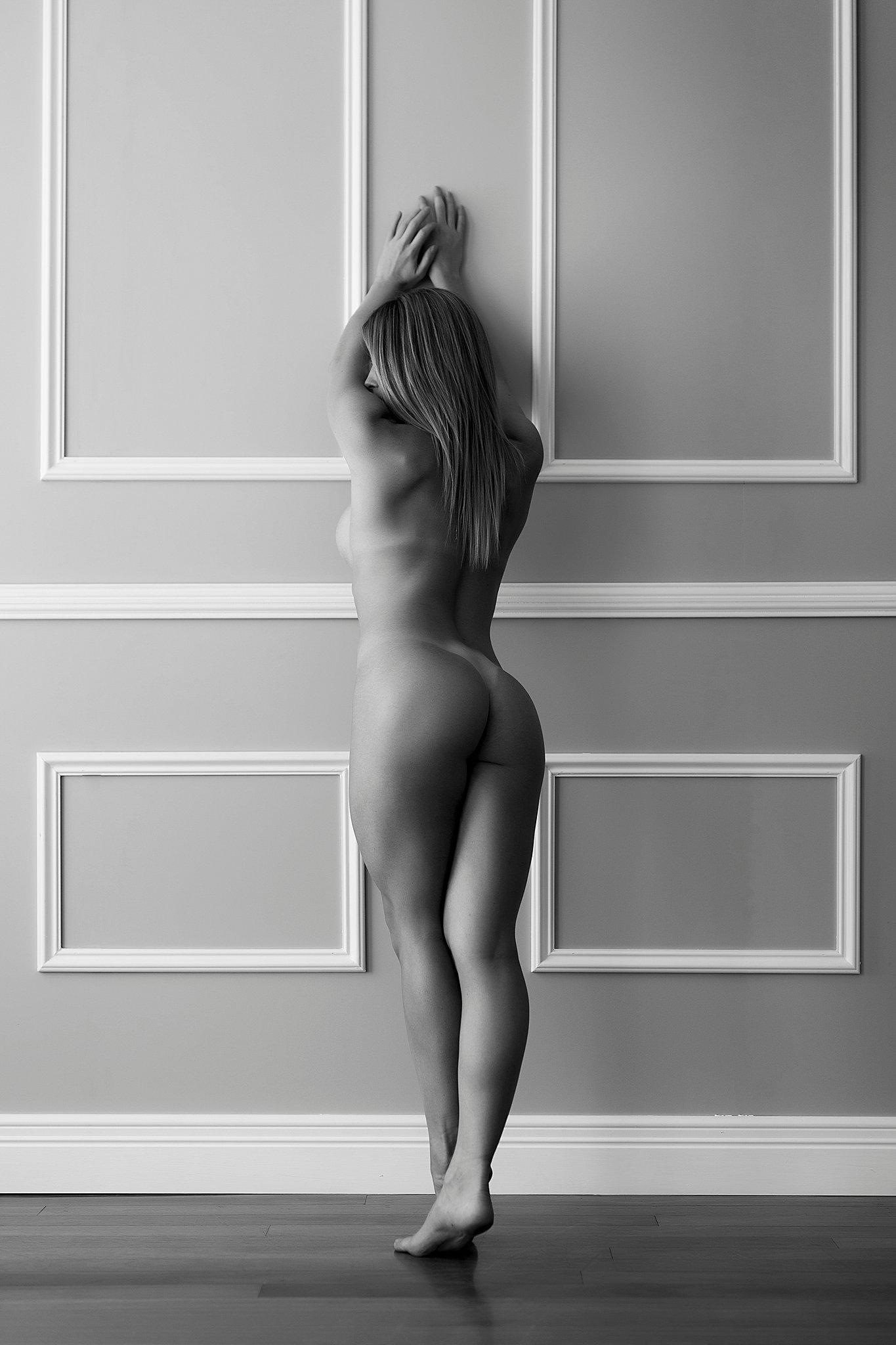 Sydney Boudoir Photoshoot (14).jpg