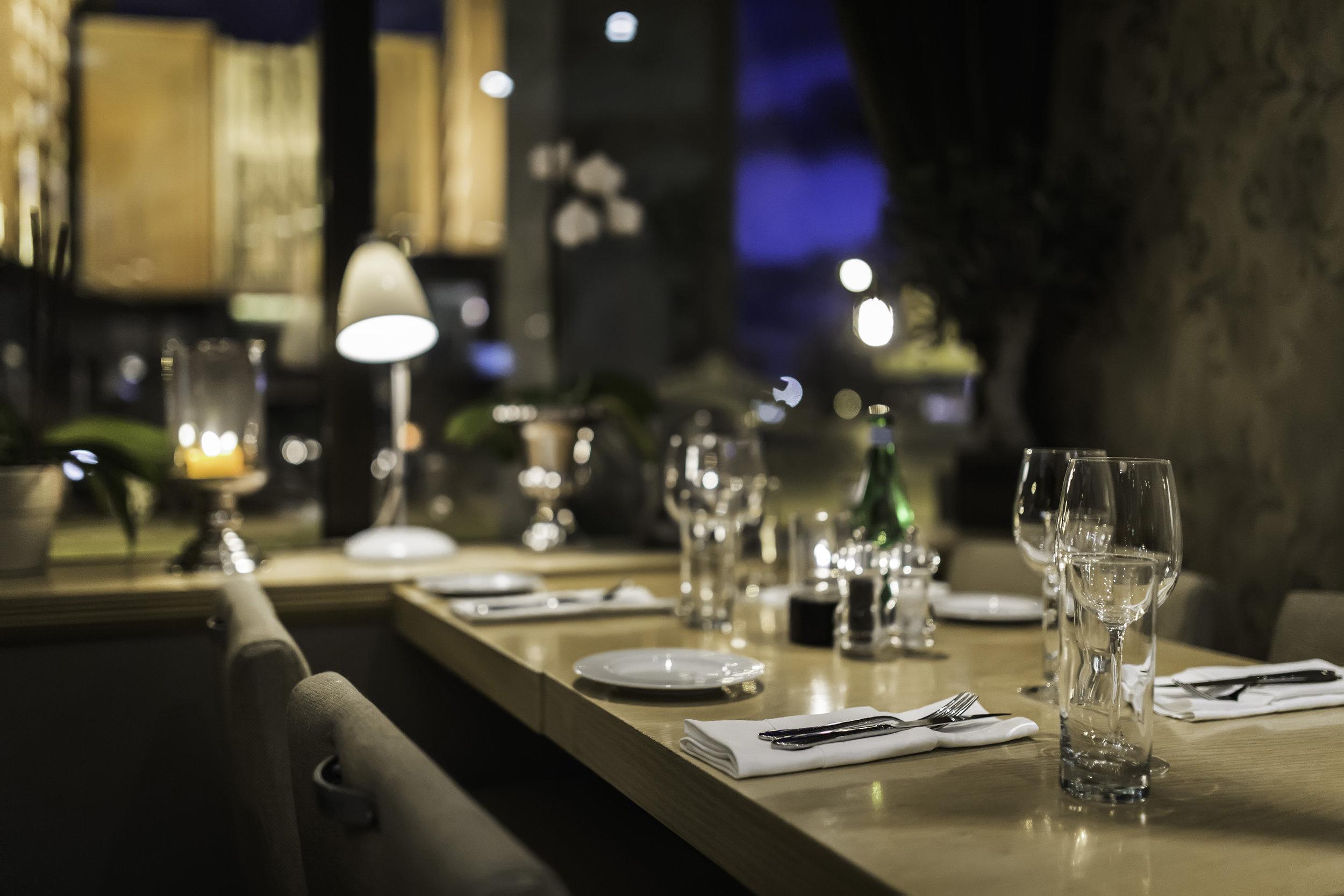 restaurant aker brygge.jpg