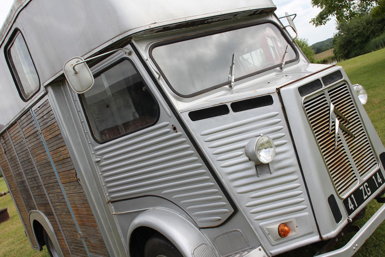 bus_business_H-Van_05.jpg