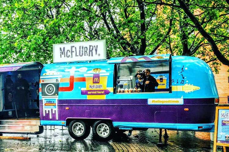 2016_mcflurry_bus_business_03.jpg