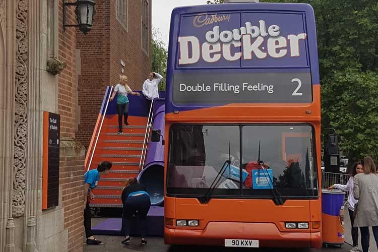 2016_bus_business_double_decker_09.jpg