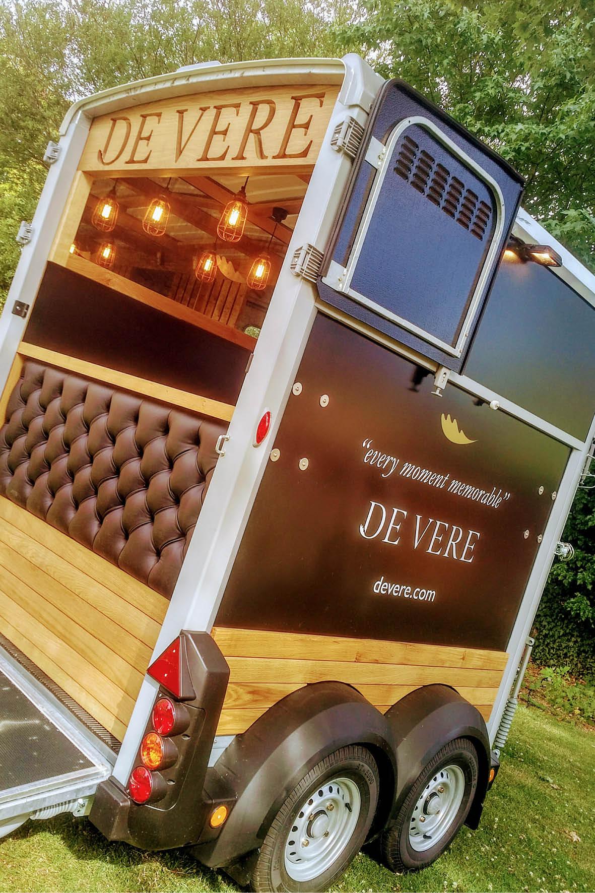 bus_business_devere_portrait_3.jpg