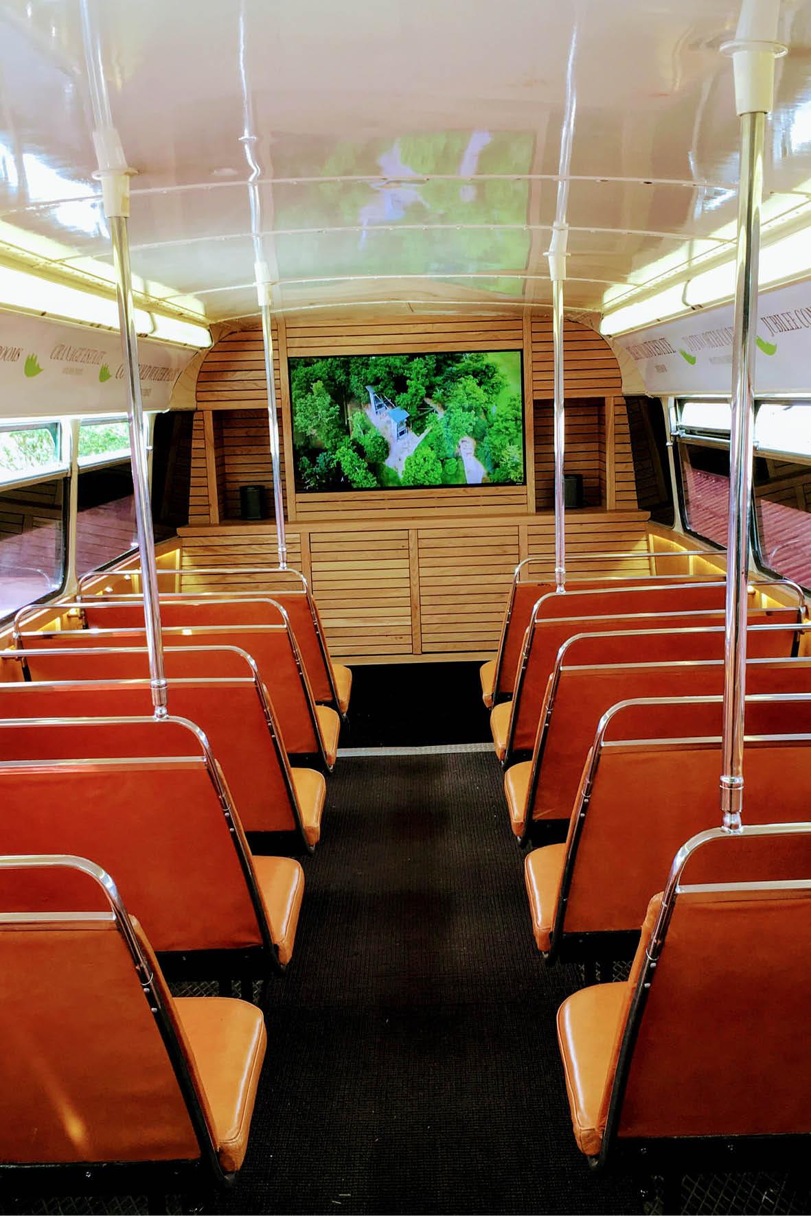 bus_business_devere_portrait_5.jpg