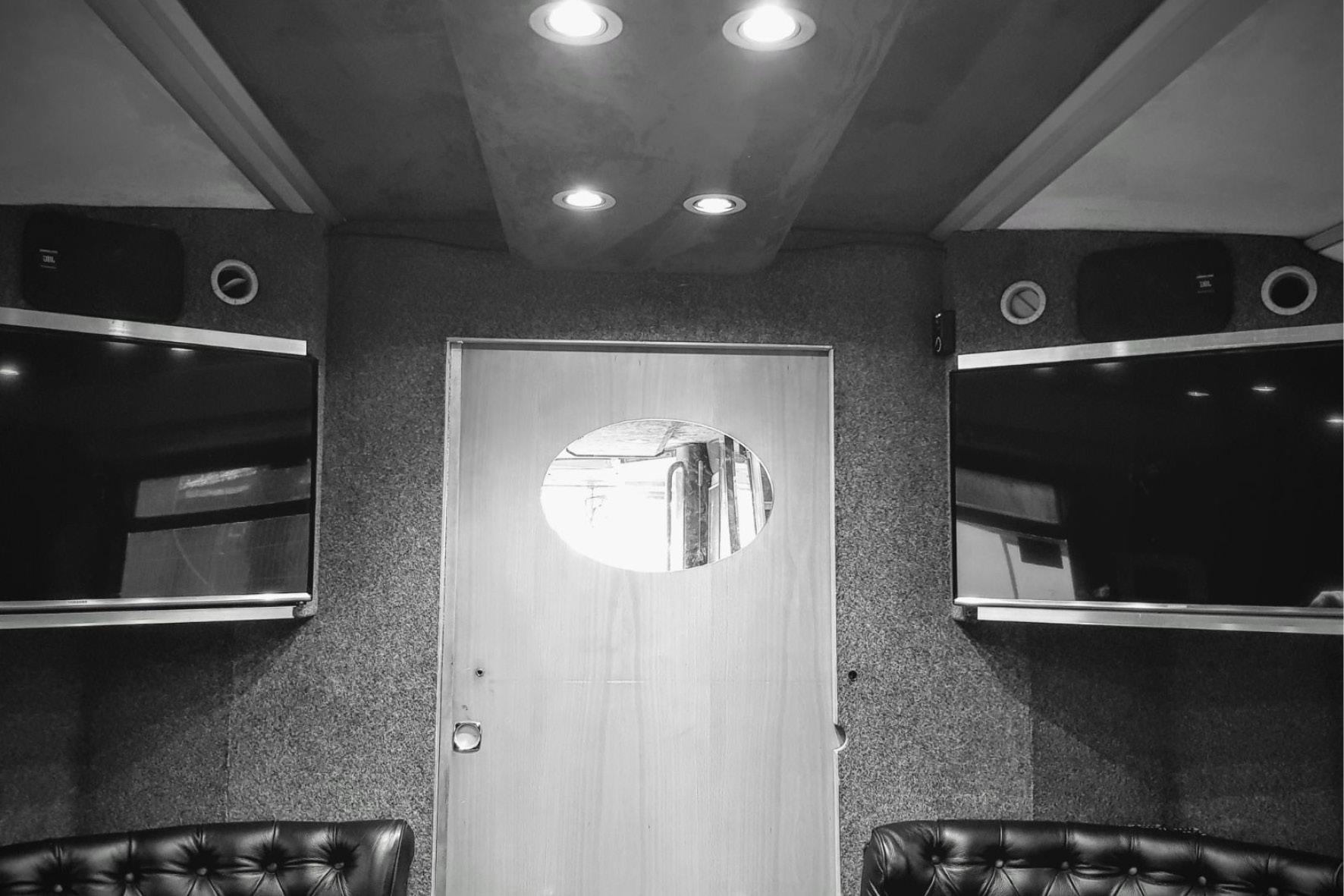 bus_business_normandy_2018_3.jpg