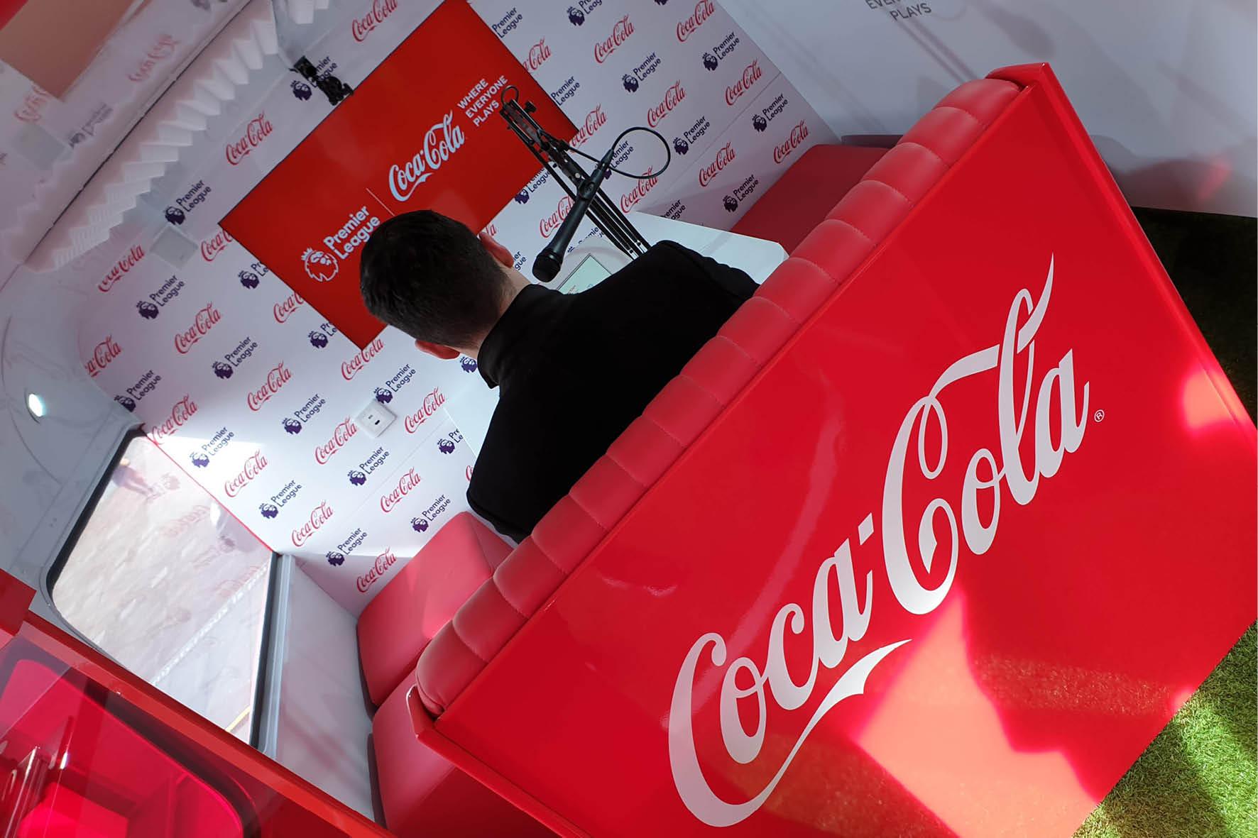 bus_business_2019_coca_cola_4.jpg