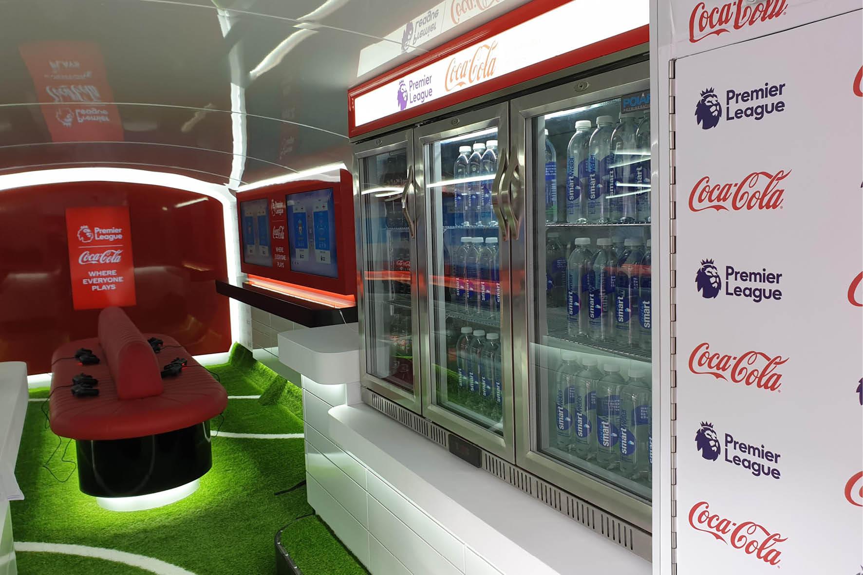 bus_business_2019_coca_cola_11.jpg